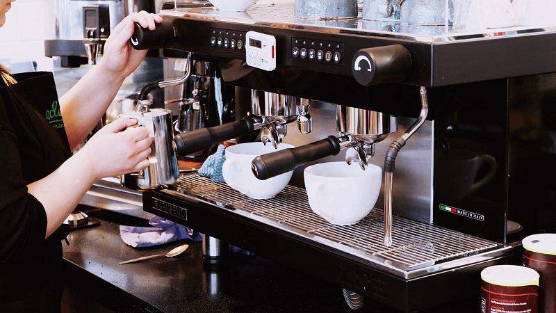 Cyfrowa era w kawiarniach